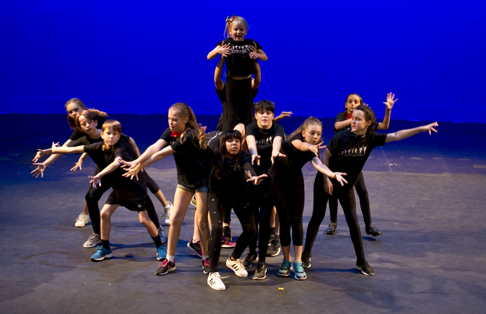 Dance and drama courses and classes for 3-16 year olds